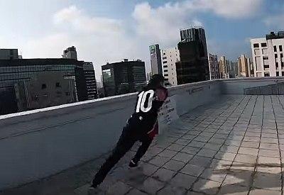 Flucht über die Dächer von Hong Kong