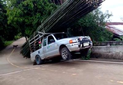 Andere Länder, andere Sitten: Holztransport in Thailand