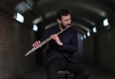 Beatboxender Flötenspieler