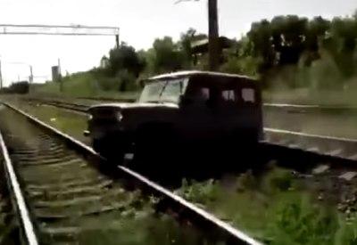 Neulich in Russland: Einfach mal über die Gleise fahren