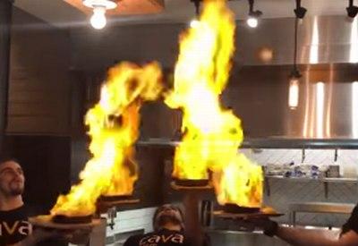 Zuviel Saganaki in Brand gesetzt