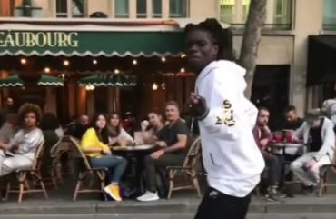 The smoothest Moonwalk ever