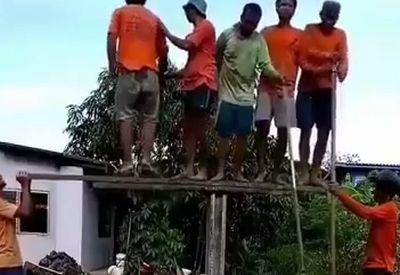 Einfach mal den Pfahl in den Boden bringen