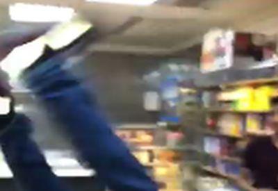 Backflip im Supermarkt - die allergeilste Idee...