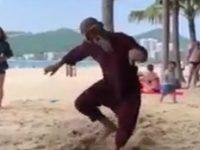 Wenn der Alleinunterhalter am Strand eskaliert