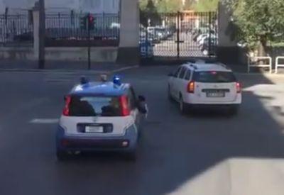 Per Polizeiteskorte durch Rom ballern
