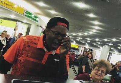 Beatboxer am Flughafen