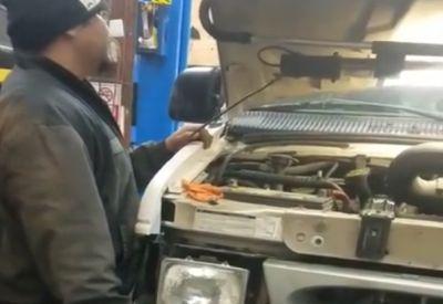 Den neuen Motor starten