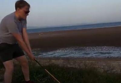 Bisschen Golf spielen am Strand