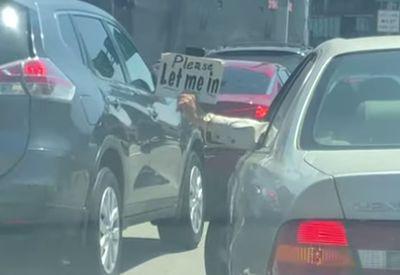 Sicher einordnen auf der Autobahn