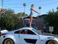 Backflip auf Sportwagen