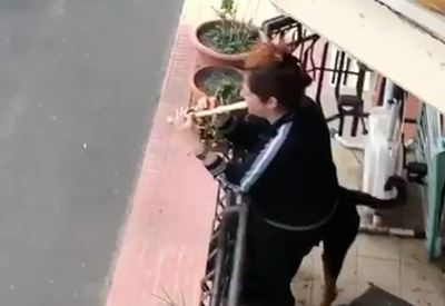 Wunderschöne Balkonmusik in Italien