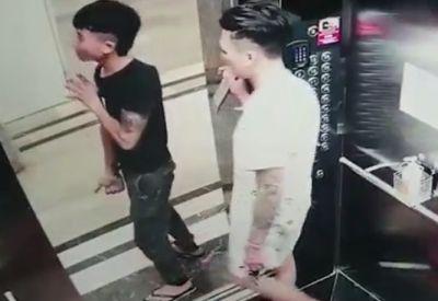Glasplatte im Aufzug transportieren