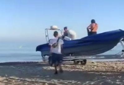 Kurz mal das Boot ins Wasser bringen