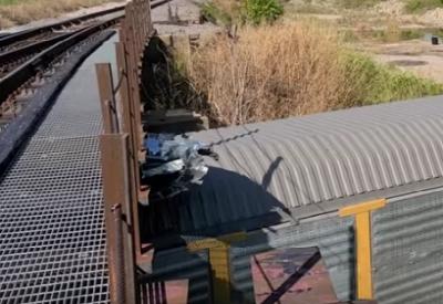 Wenn die Brücke etwas zu niedrig ist